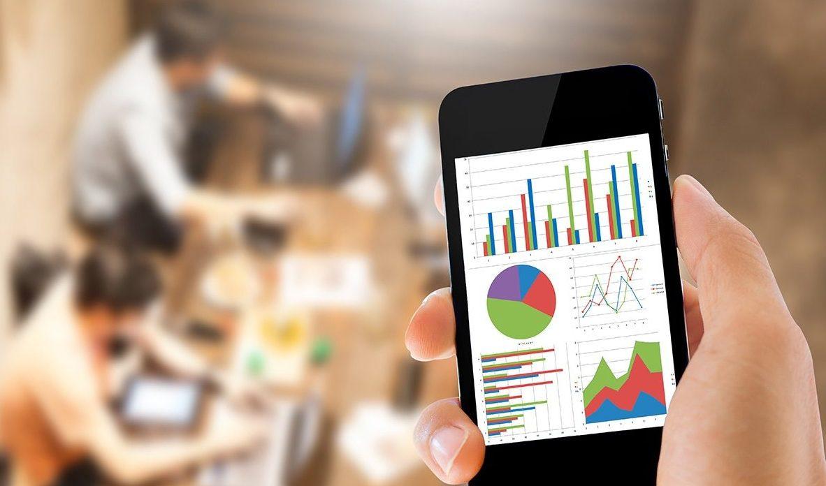 В аналитических программах, как Tableau, контролировать работу отдела маркетинга можно даже с телефона