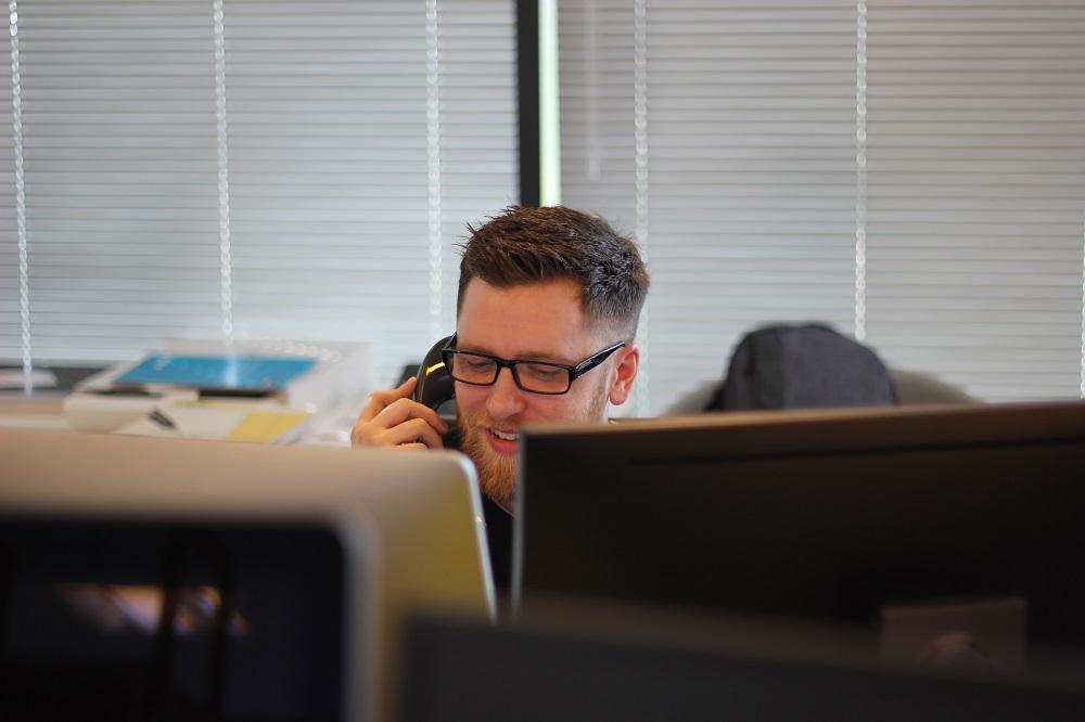 Анализ работы каждого сотрудника отдела продаж